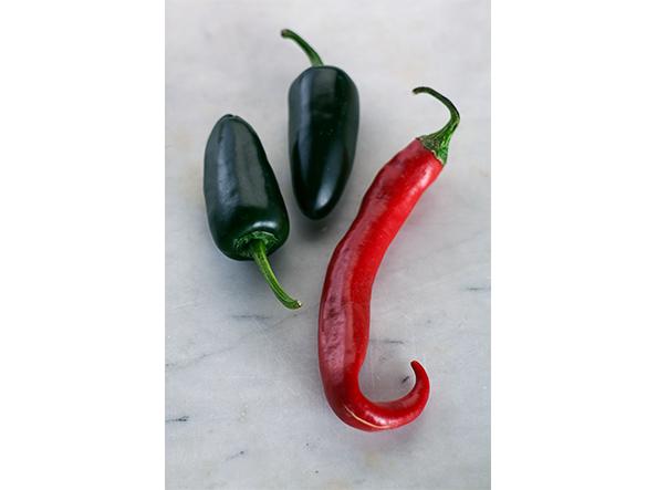 Chillis, rot und grün